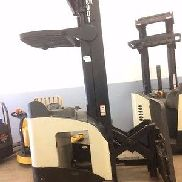 CROWN ELECTRIC FORKLIFT RR5520-45 NARROW ISLE SINGLE REACH TRUCK 4,500 LBS