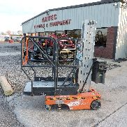 2004 JLG 12SP ELECTRIC PERSONNEL LIFT - GENIE - VERY GOOD CONDITION!!