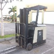 2006 CROWN RC3020-30 COUNTERBALANCE ELECTRIC FORKLIFT STK# 9304