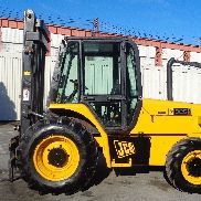 JCB 926 6,000lbs Rough Terrain 4x4 Forklift - Enclosed Cab - Triple Mast