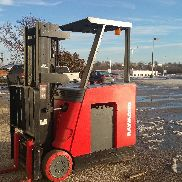 Raymond Forklift with Charger 2600 hours!