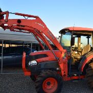 2010 kubota tractor L4240 HSTC Engine HP 42, Hydrostatic and MFWD ( 414hrs)