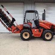 2007 Ditch Witch RT95 NEW H910 trencher, NEW dirt chain, 6 way backfill blade