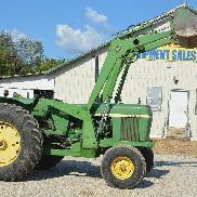 John Deere 2840 tractor with 148 loader - nice original tractor -