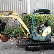 Yanmar 2004 Vio35-3 mini excavator with Manca 12x30 hydraulic thumb