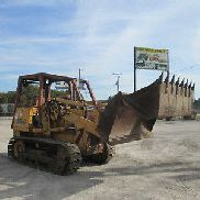 CASE 855D CRAWLER / LOADER W / 4 & 1 BUCKET