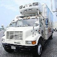 2000 INTERNATIONAL 4700 Reefer Trucks