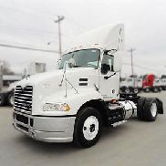 2009 MACK PINNACLE CXU612 Day Cab