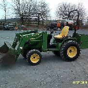 John Deere 4100 Compact Tractor w/JD 410 Loader Cheap Shipping!!