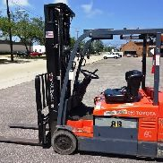2013 TOYOTA 3-WHEELER FORKLIFT ONLY 1 LEFT MODEL 7FBEU20 VERY CLEAN!!