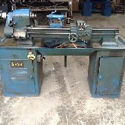 "Logan 1957 H 10"" Screw-Cutting Lathe w/ 13""X3.5"" Table & Spare Parts"