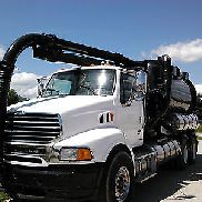 2006 STERLING LT9500 WITH 1993 VACTOR 2112 HYDRO-EXCAVATOR VACUUM BODY