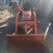 KUBOTA BX25 TRACTOR WITH LOADER AND BACKHOE 143 HOURS