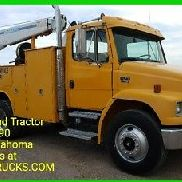 2000 Freightliner FL70 8000lb Crane Mechanics service body Cat 3126 Eaton 10 spd