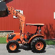 2007 KUBOTA M6040 4X4 UTILITY TRACTOR W/ LOADER HYDRAULIC REVERSER 180 HOURS