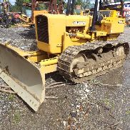 JOHN DEERE 450C with 6 way blade new pins and sprocks ect, good condition cat