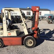 NISSAN FORKLIFT - SOLID PNEUMATIC TIRES - 3 STAGE MAST w/ SIDE SHIFT