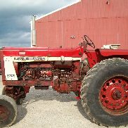 International Farmall 806 Gas Tractor, Wide Front, 3-Point Hitch, Runs Good !!