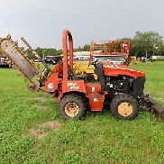 2004 Ditch Witch RT40 4x4 Slide / Shifting Trencher w/ backfill, Deutz Diesel