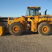 Hyundai HL760 Wheel Loader with Bucket Attachment