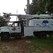 Tree bucket truck forestry body GMC Topkick truck with Altec LR3-55 boom