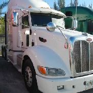 White 2011 Peterbilt 386 Conventional Sleeper Truck - Used