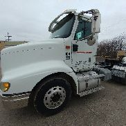 2004 International 9200i Day Cab Tractor