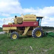 New Holland 1985 TR96 combine