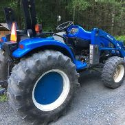 New Holland 2001 tc40 Tractor Shuttle Shift 1600 horas