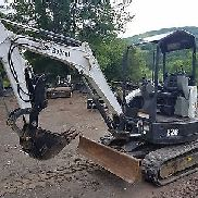 BOBCAT E26 EXCAVATOR ONLY 1373 HOURS THUMB READY 2 WORK PA WE SHIP NATIONWIDE!
