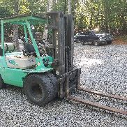 '97 Mitsubishi FG-35 8000 lb Cap 3-Stage Forklift w/ Pneumatic Tires: Low Hours!