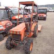 kubota 4 wheel drive b7100 tractor with mower pto 3 point hitch diesel