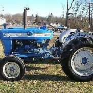 3000 FORD 2 WHEEL DRIVE GAS TRACTOR NO REAR LIFT AND NO REAR PTO