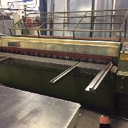 EDWARDS PEARSON Truecut 2500mm x 3,5mm Guillotine / Schere. Swissax Programmable Back Gauge