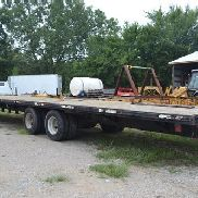 1997 National 40 Gooseneck Flatbed Trailer