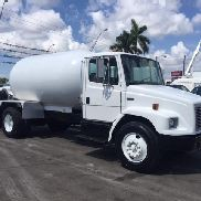 2004 FREIGHTLINER FL70 Featured Listing
