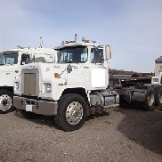 1986 MACK RS688LST