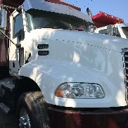 2011 MACK PINNACLE CXU612