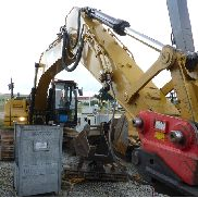 Caterpillar 323DL Tracked Excavator