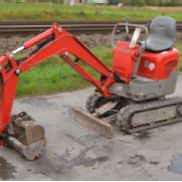 2007 Yanmar SV08-1 Rubber Tracks, Blade, Offset, QH c/w Expanding Undercarriage, 2 Buckets (Does not Conform to CE Standards Safety Defect - Missing Seatbelt) - YMRSV08Y06YY12653