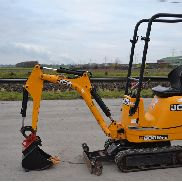 2014 JCB 8008 CTS Rubber Tracks, Blade, Offset, QH Piped c/w Expanding Undercarriage, Roll Bar (748 Hours) - J***************3