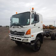 2007 Hino 500 Cab Chassis 4 x 4, 6 Speed, PTO, A/C (Km Meter Shows 203,071Km, PTO Meter Shows 5,667 Hrs) - JHDGT8JKKXXX10036