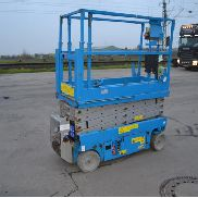 Genie GS1932 Wheeled Sissorlift Access Platform - GS30008C-471