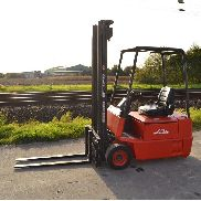 Linde E15 Electric Forklift c/w Side Shift, 2 Stage Mast, Forks (NO CE MARK - NOT FOR USE OR TRADE WITHIN EU) - 6001-2
