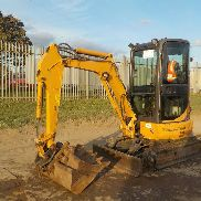 2011 Case CX26B Rubber Tracks, Blade, Offset, QH, Piped c/w 3 Buckets - NCUC26BCNBLN00185