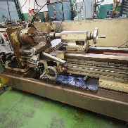 Lot 35 - Harrison M400 Gap Bed Lathe