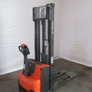 BT SWE 100 Electric pallet truck
