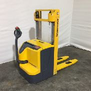Jungheinrich EJC 212 electric stacker