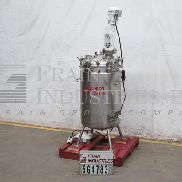 Precision Stainless Tank Jacketed 30V04