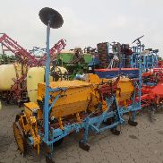 Small MULTIKORN 4-row single-grain sowing machine